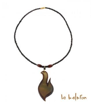 Collier pendentif en corne de zébu