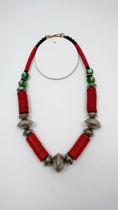 collier ethnique africain artisanal grosses perles