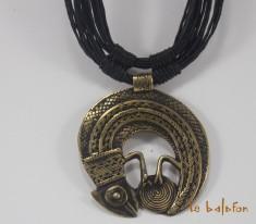 collier ethnique pendentif laiton
