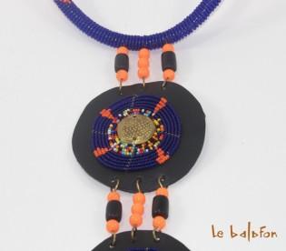 collier cravate africain