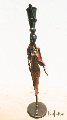 Sculpture bronze la Petite Porteuse
