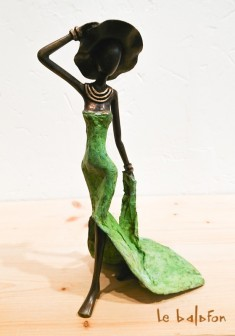 "Sculpture bronze ""Le chapeau"""